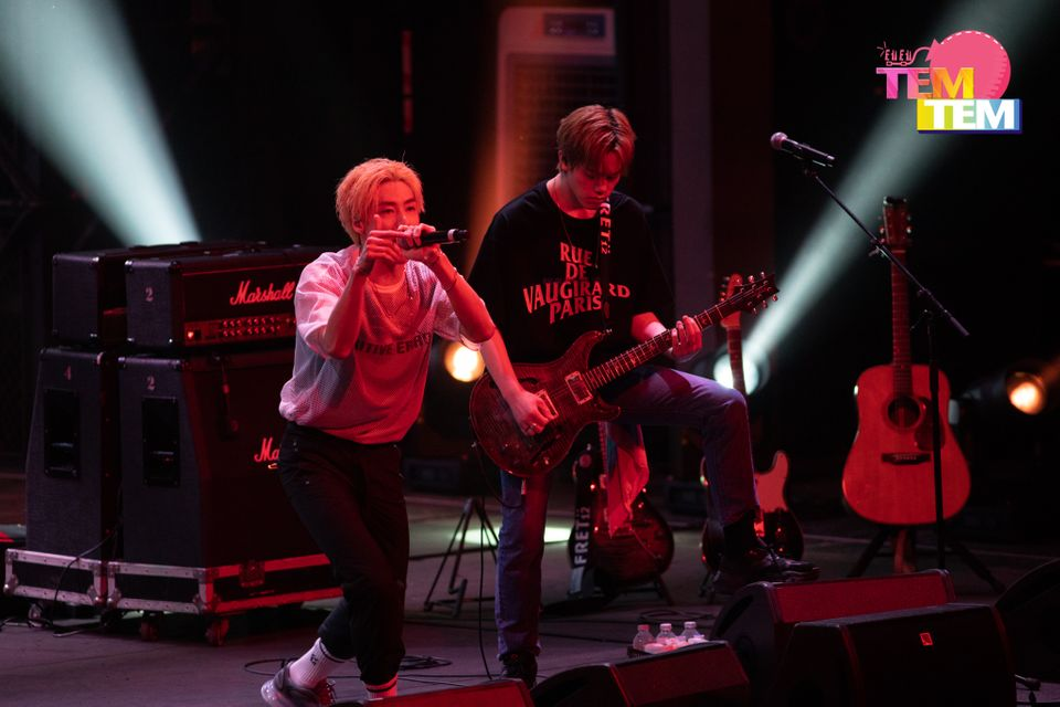 (PIC) N.FLYING LIVE #039;UP ALL NIGHT#039; IN BANGKOK