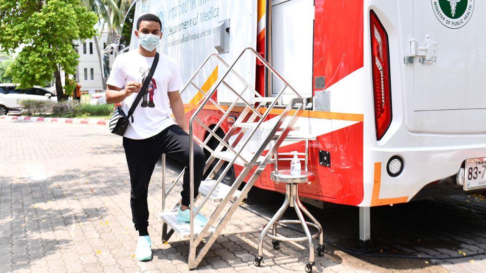 ฟุตซอลทีมชาติไทย ผลตรวจโควิดเป็นลบ พร้อมรับวัคซีนเข็มสอง ก่อนไปชิงตั๋วฟุตซอลโลก