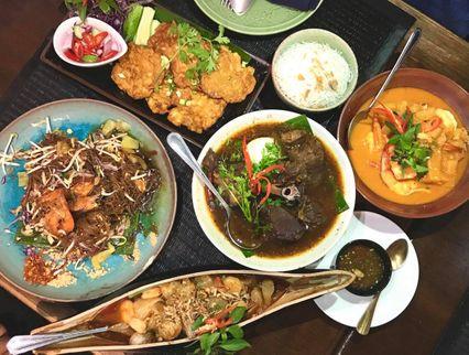 "'Bugaboo.tv ปาเตี้ยว' We love Chiang Mai ""แอ่วเจียงใหม่ แอ่วได้ทั้งเมืองเจ้า"""