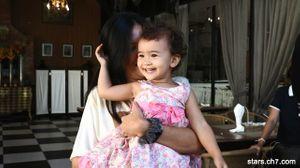 ความน่ารักของน้องแซมมี่ หรือลีล่า ลูกสาวของวายูนในละครรักเร่